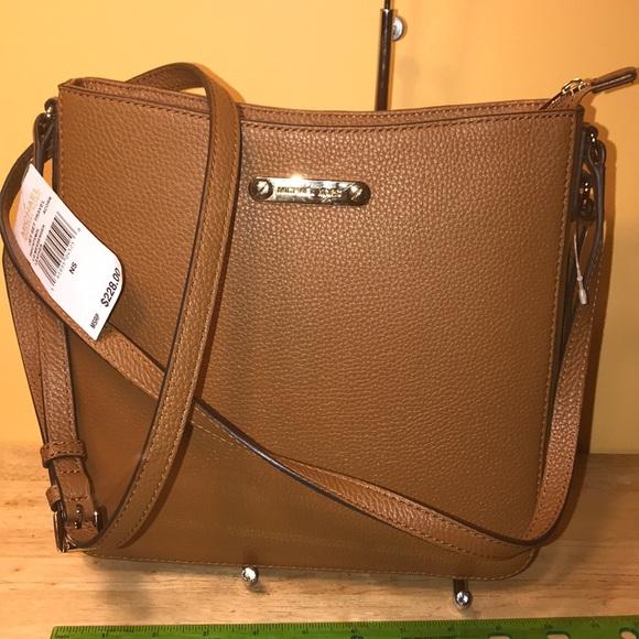 d0b5cdc77984 Michael Kors Bags | Acorn Large Leather Messenger | Poshmark